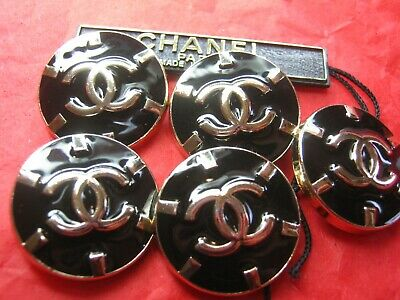 CHANEL 5 BUTTONS BLACK ENAMEL GOLD 24 mm ,  1 inch metal with  cc logo 5