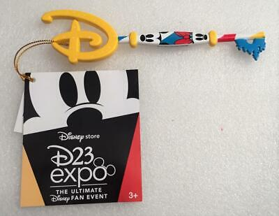 D23 Expo 2019 Disney Store Exclusive Mickey and Minnie Mouse Key