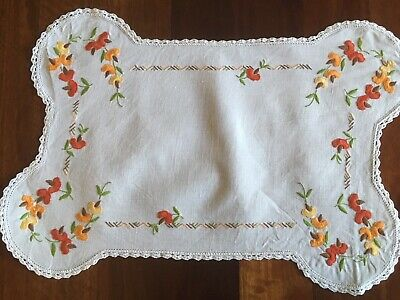 Gorgeous vintage linen hand embroidered Orange Sweet Pea Centrepiece Doily Exc