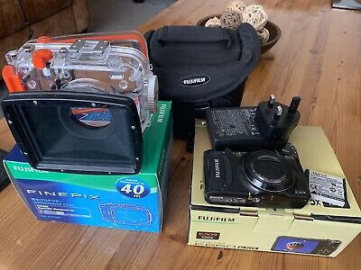 Fuji F660exr And Underwater Housing And Strobe With Tray