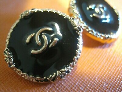 CHANEL 2  BLACK  GOLD   BUTTONS  sz 26mm  cc logo, 2 pc FREE SHIPPING
