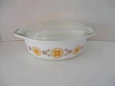 Pyrex Glass Vintage 1-1/2 qt Town Country 043 Oval Casserole Dish & LID