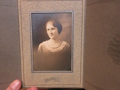 Antique Old CABINET PHOTO Picture Wooster OHio Beautiful Woman Showalter Family