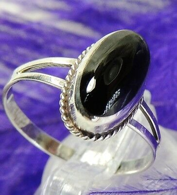 YOUNG LADIES ONYX Sterling Silver 0.925 ESTATE COCKTAIL BAND Ring size 6