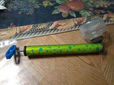 """Vintage """"green Bugs"""" insect duster with glass jar dated 1973 Hudson brand"""