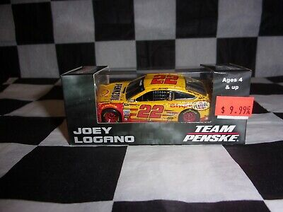 2015 Joey Logano DAYTONA 500 Race Win Shell Pennzoil 1:64 scale car