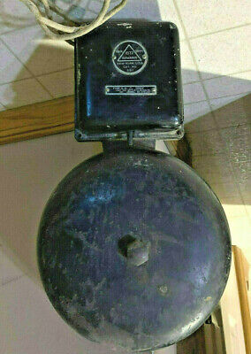Antique 1872 Edwards 551 Bell Cast Iron Wall Mount Fire Alarm Boxing school bell