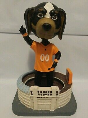 Fabulous Figurine Tennessee Vols Smokey Tenn Snowman By Slavic Dailytribune Chair Design For Home Dailytribuneorg