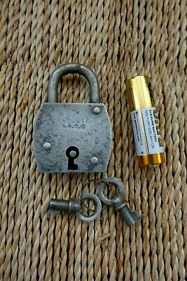Vintage Small Padlock with two keys, working order, hobby, collector 10-20