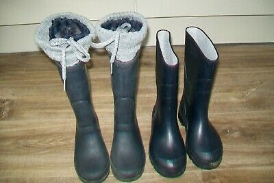 Lot of 2 pairs of boys/girls navy wellies.EU 32/33/1 kids.Used.