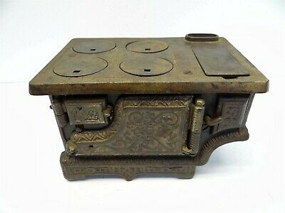 Antique Metal Cast Iron Crown Salesmans Sample Dollhouse Kitchen Cooktop Stove