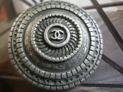 CHANEL 1 VINTAGE BUTTON lot of 1  sz 25mm   SILVER  cc logo, ONE PC