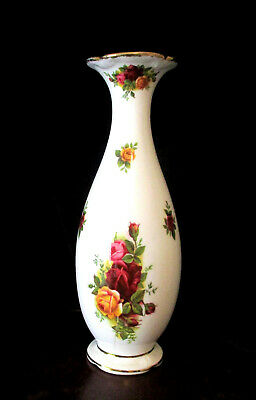 """ROYAL ALBERT  """"Old Country Roses""""  Vase  19cm / 7.5"""" High    Excellent Condition"""