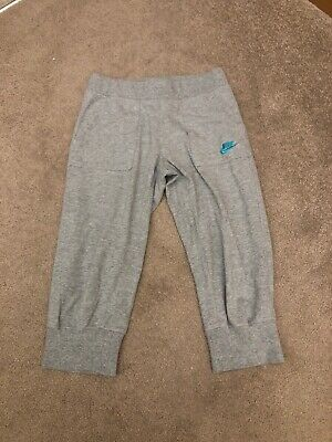 Girls Nike Grey cropped joggers, Jogging Bottoms Size 8-10 Years