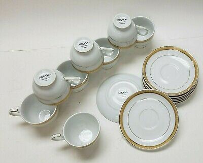 Mikasa Gold Crown 16 piece set - 8oz Porcelain Teacups with 6.5in Saucer