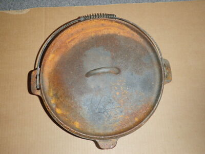 Ozark Trail 5 quart Cast Iron Dutch Oven with Lid Pre-Seasoned Camping Kitchen