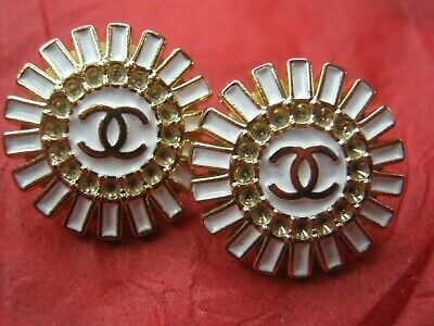 Chanel 2 GOLD CC WINTER WHITE  BUTTONS   16MM   2 PC.