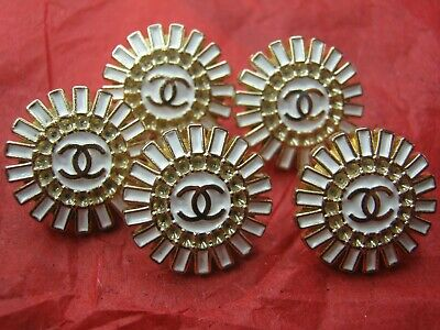 Chanel 5 GOLD CC WINTER WHITE   BUTTONS   16MM   5 PC.