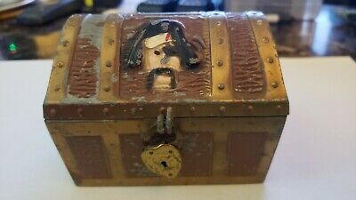 Pirate Treasure Chest Toy Bank Ej Kahn Co. Chicago. Has Lock