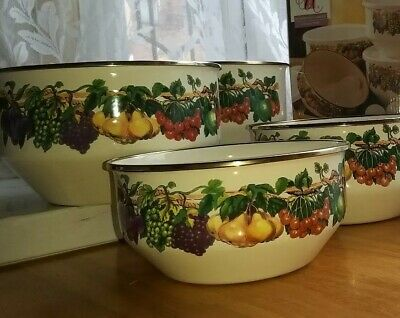 Vintage Mixing Bowl 4 Set Kensington Gardens Collection. New. Never been Used