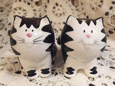 Cat Salt & Pepper Shakers Ceramic Kitten Figurine Black White Russ 15624