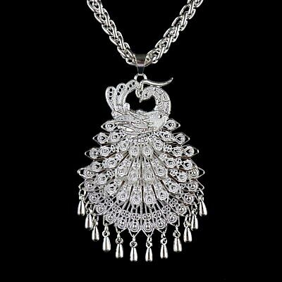 Collect China Old Mian Silver Hand-Carved Peacock Statue Delicate Noble Necklace