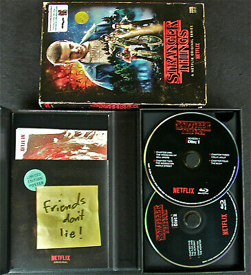 Stranger Things: Season 1 Collectors Edition (4 Disc Blu-Ray + DVD + Wall Poster
