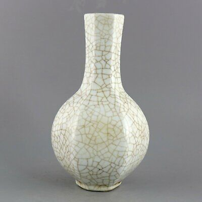 Collect Old Porcelain Glaze Hand-Carve Delicate Noble Royal Family Decorate Vase