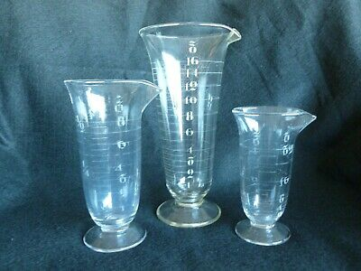 Antique Glass Set Of 3 Apothecary Measuring Graduating Lab Beakers