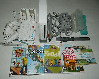 NINTENDO Wii CONSOLE BUNDLE 5 Games 3 Controllers 2 Nunchucks Rechargable Cords
