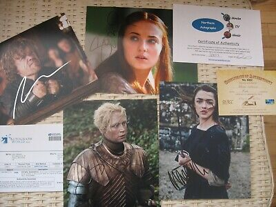 Game of Thrones autograph lot Maisie Williams, Sophie Turner autographs signed