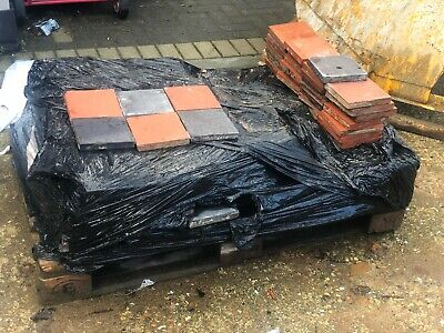 300No. 150mm x 150mm Red & Staffordshire Blue Reclaimed Quarry Tiles NO RESERVE