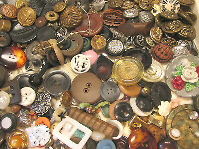~Lot Of 1.7 Lbs Vintage To Antique Craft Buttons Pearl~Celluloid~Metal+++ Lot 2