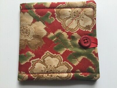 needlecase fabric Red + green floral Felt page inside Gift Present Needles Book