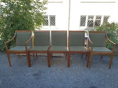 A Vintage Mid Century Retro Set of 5 Greaves & Thomas Dining Chairs/Carvers