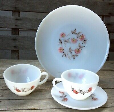 Fire King Fleurette pattern 4 pieces from 1958 - plate saucer & 2 cups oven-ware