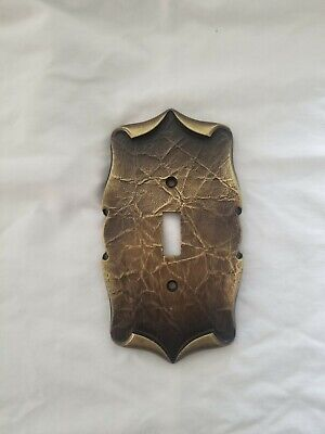 VTG Amerock Hardware Antique Brass CARRIAGE HOUSE Single Switch Wall Plate Cover