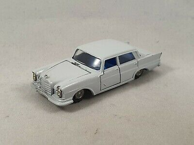 Lone Star Impy Mercedes Benz 220 SE W111 Heckflosse Road Master Super Cars 1:63