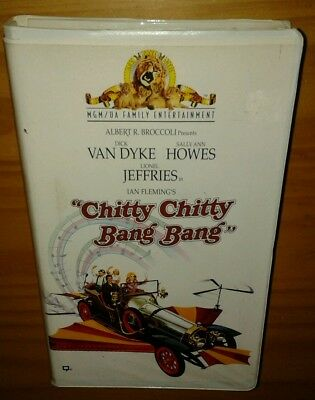 Chitty Chitty Bang Bang (1968) *PLAY-TESTED VHS* CLAMSHELL CASE, DICK VAN DYKE