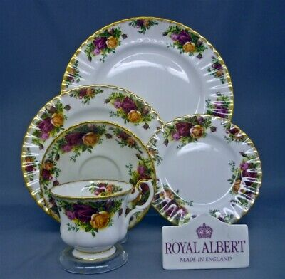 Royal Albert England OLD COUNTRY ROSES Bone China 5 Piece Dinner Place Setting