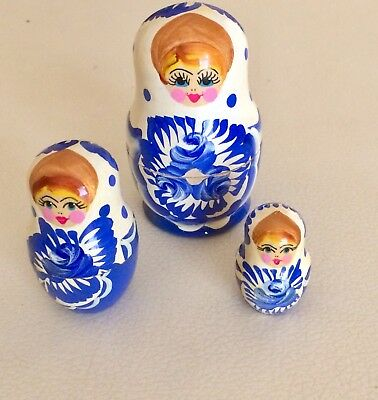 Vintage 3 Piece Russian Nesting Dolls Hand Painted