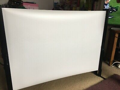 Epson ELPSCO6 Portable Table Top 50 Inch Projector Screen