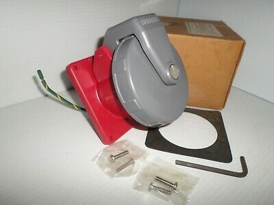 *NEW IN BOX* HUBBELL HBL560C7W 60-Amp PIN/&SLEEVE CONNECTOR 560C7W 277//480V 4P 5W