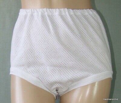 VINTAGE SOFT WHITE EYELET COTTON SCHOOL KNICKERS Med