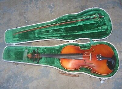 1966 E.R. Pfretzschner Violin w/ Roth Case. Stradivarius Copy. 4/4. Set Up.