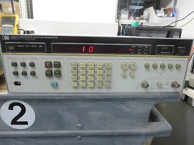 Hewlett - Packard, 3325A, Synthesizer/Function Generator,Unit Powers Up, Vintage