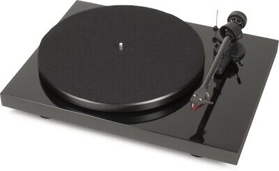 Pro-Ject Carbon Debut DC Turntable + Preamp