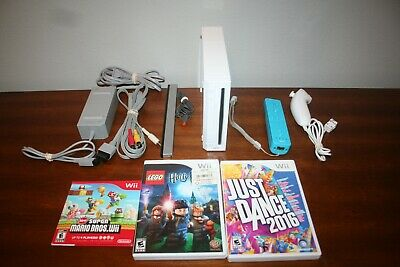 Nintendo Wii White Console Complete with 3 Games Super Mario Bros & More