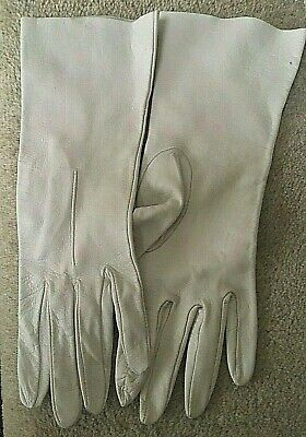 Ladies dove grey soft leather vintage gloves size 7 & 3/4