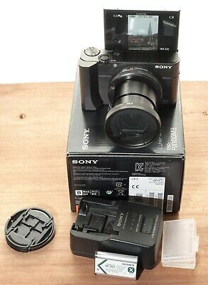 Sony RX100 III + porte filtre KIWI + Batterie supplementaire + grip télescopique